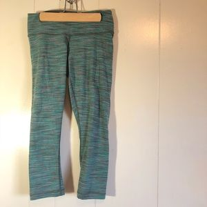 Size 6 lululemon winder under Lyon crop green